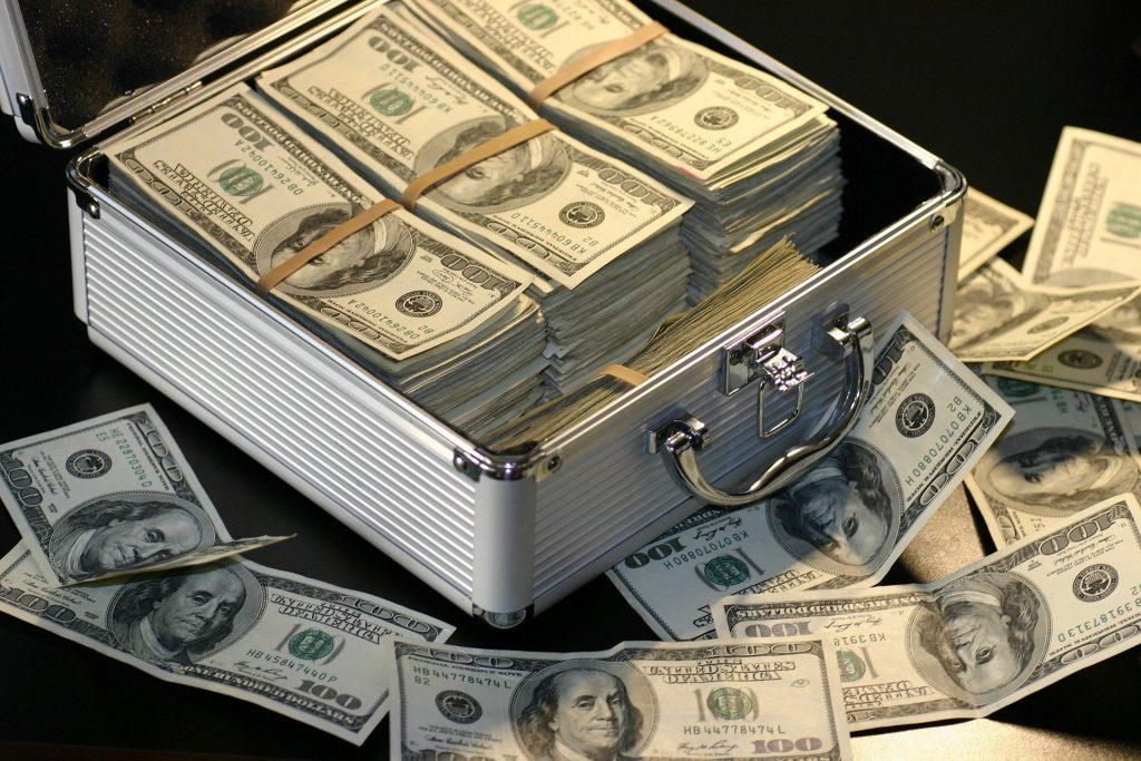 argent-dans-une-mallette